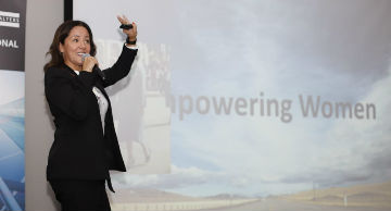 Ejecutiva everis expone en evento para empoderar mujeres