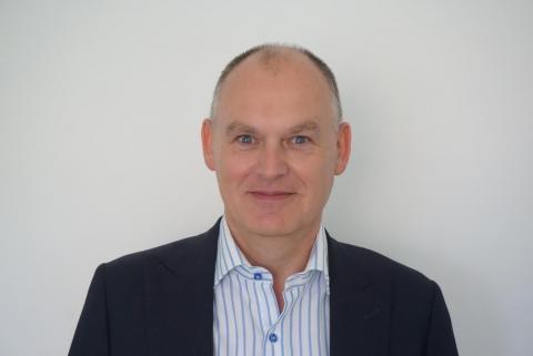 Didier Lambert junta-se à equipa de seguros da everis como Global Lead no...