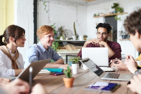 everis cria novo programa para formar 7.000 profissionais em tecnologia...