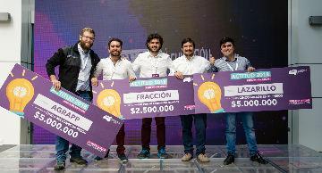 Ganadores del Premio Actitud reciben sus premios